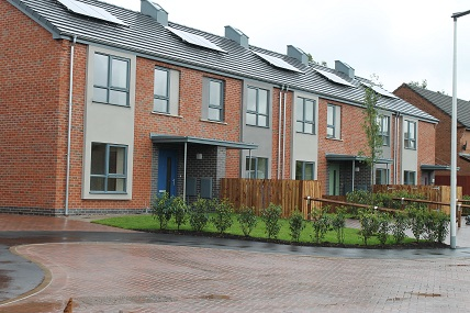 Housingnet trust unveils new eco homes for Home architecture widnes